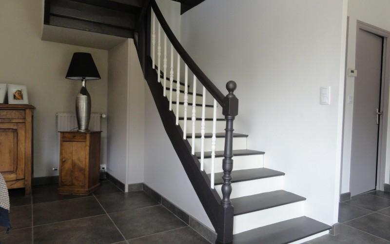 Rev tements de sols escaliers r ginea peinture for Peinture pour escalier en bois