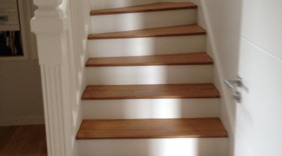 Sols escaliers r ginea peinture for Peindre escalier vernis