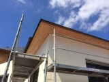réalisation des dessous de toit en mélèze & ite